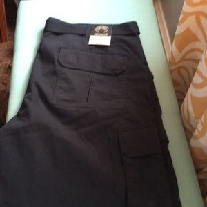 Men's black Weatherproof cargo shorts Sz 38